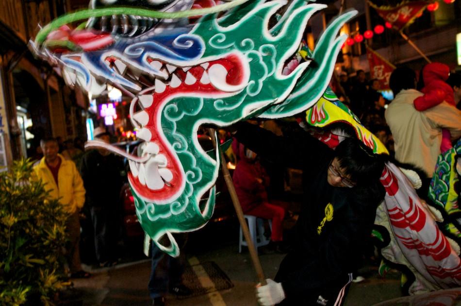 哇喔!热情奔放的巴西森巴舞团,手鼓加上热舞,为现场的活动带来高潮!