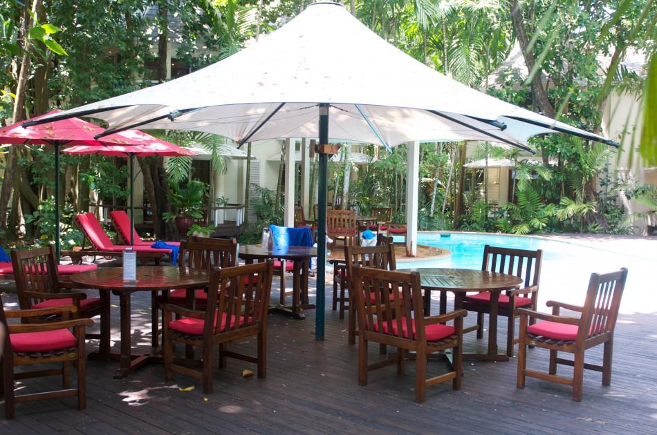 一進到Green island,房客就會先被引領到飯店中的休息區等待Check-In!
