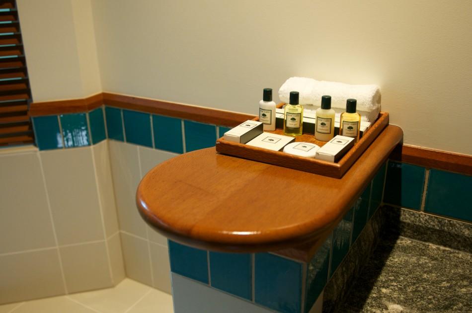 浴室間的用品,在澳洲的飯店都沒有提供刮鬍刀耶!