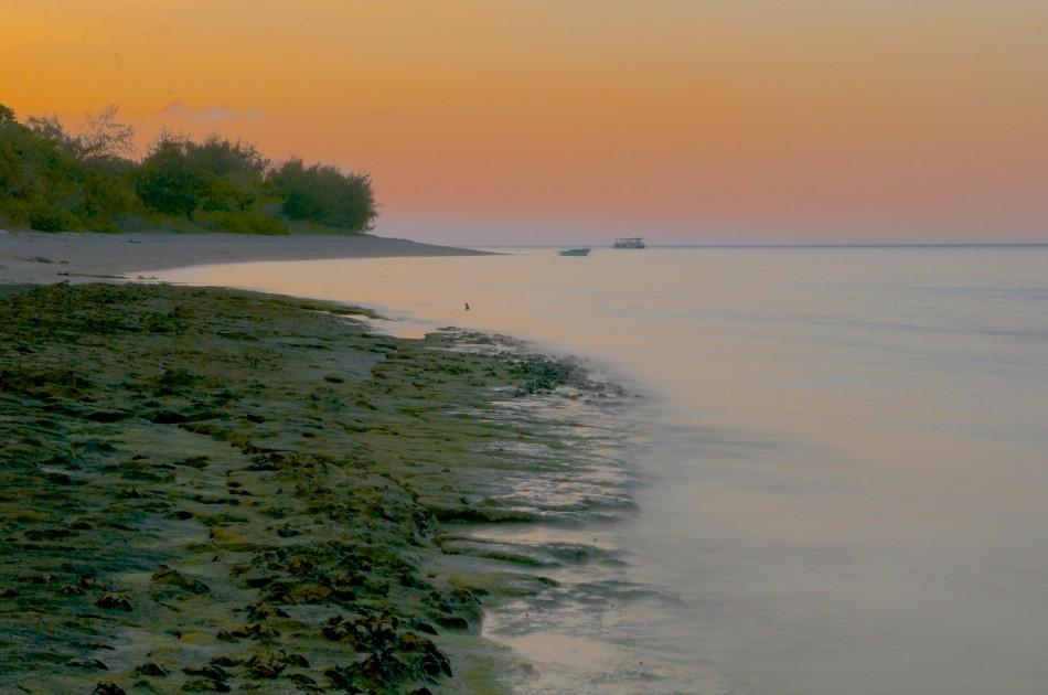 美麗的夕陽與沙灘