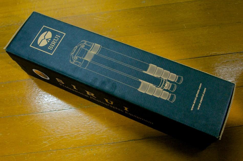 SIRUI N-2205 碳纖維腳架的外包裝!